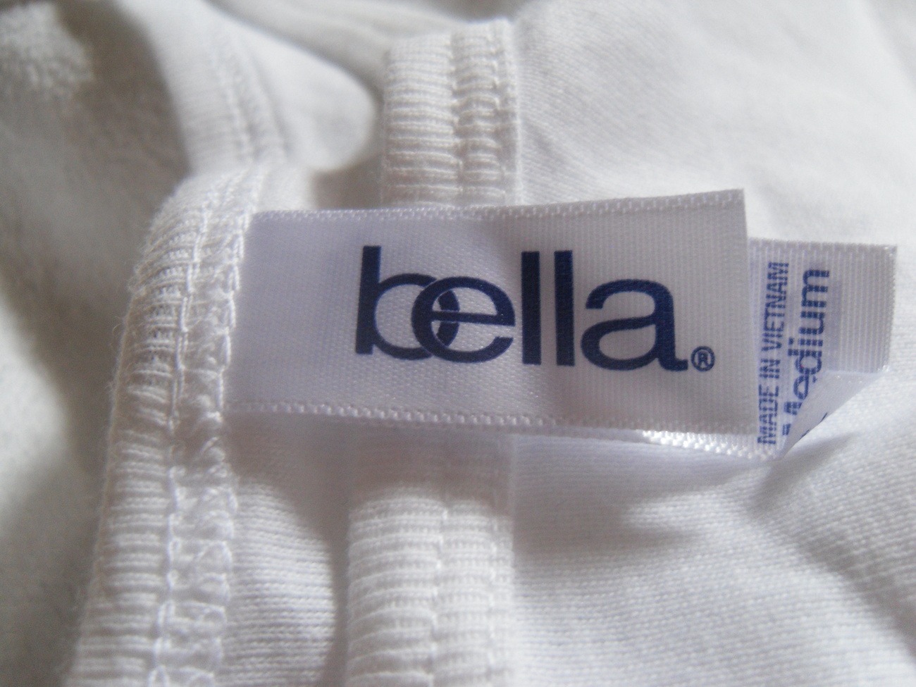 Bella_white_tank_top_label