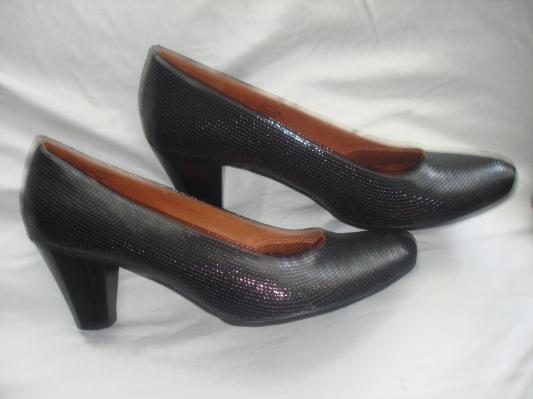 GENTLE SOULS Rupert Fine black Retails  235 Women  Shoes Size 9 5  149 99