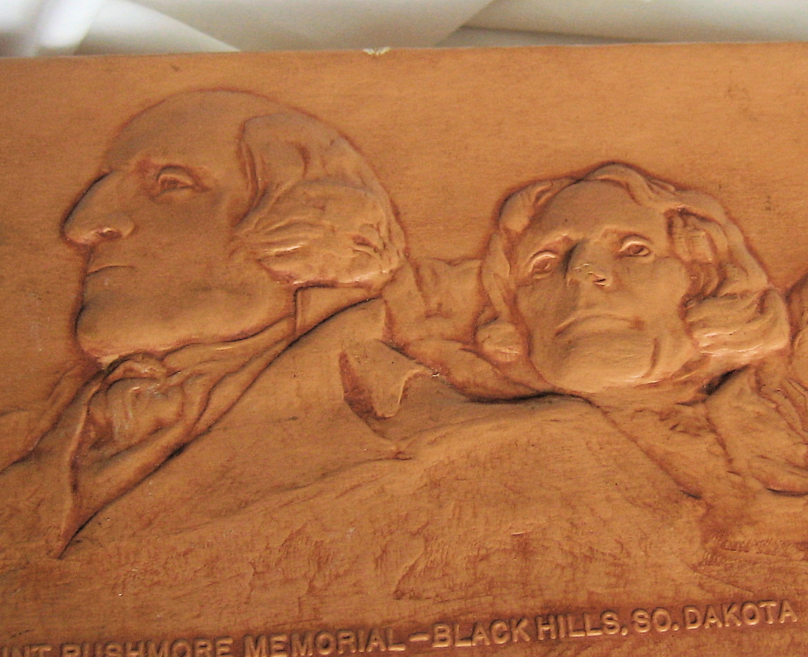 Leather Box Memorabilia  Souvenir Mount Rushmore Hand tooled Black Hills