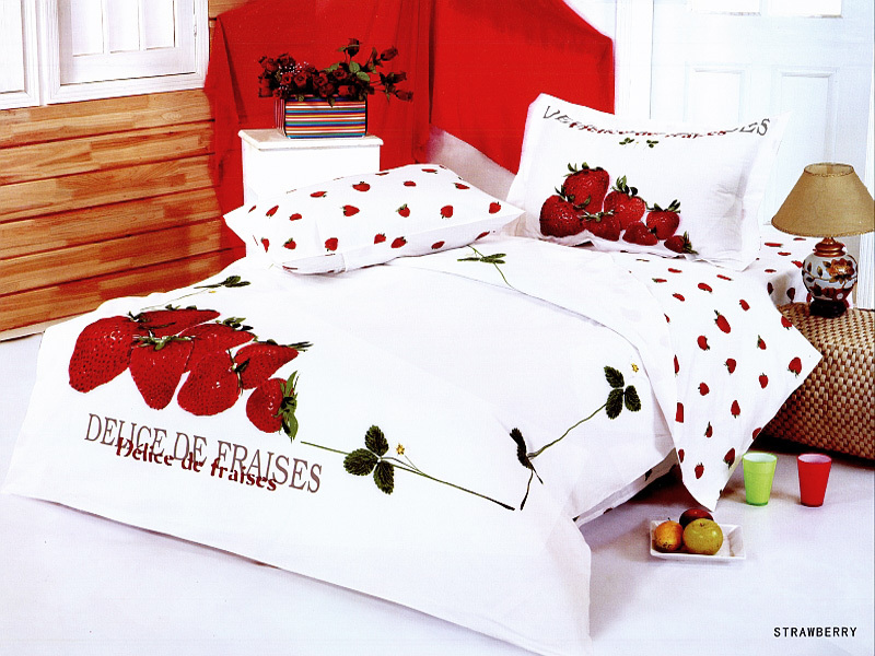 Duvet Cover Twin 4 piece Strawberry by Le Vele