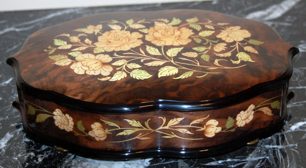 Inlaid Music Box Rose Walnut Light - Made in Italy