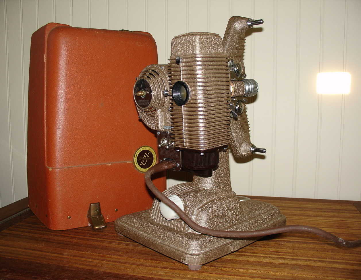 Revere 85 8 mm Movie Projector- Works Perfectly! 1940's-50's