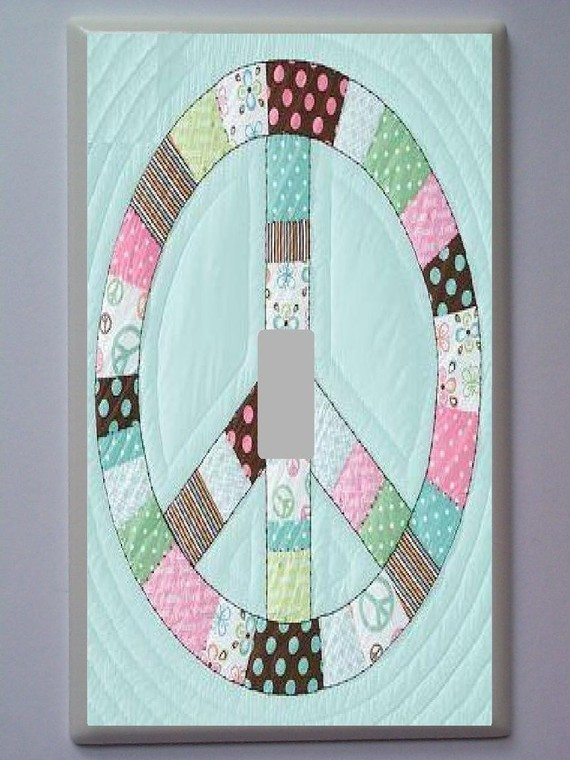 PEACE SIGN PATCH WORK LIGHT SWITCH PLATE - POTTERY BARN TEEN - Switch Plates ...
