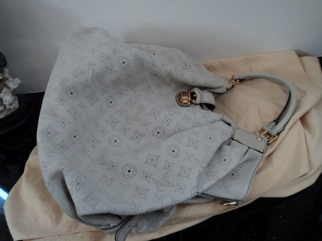 Louis Vuitton Mahina XXL Elephant Gris Off White Ivory Leather Monogram Bag