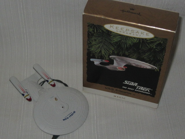 1993 Hallmark Star Trek USS Enterprise The Next Generation Magic Ornament