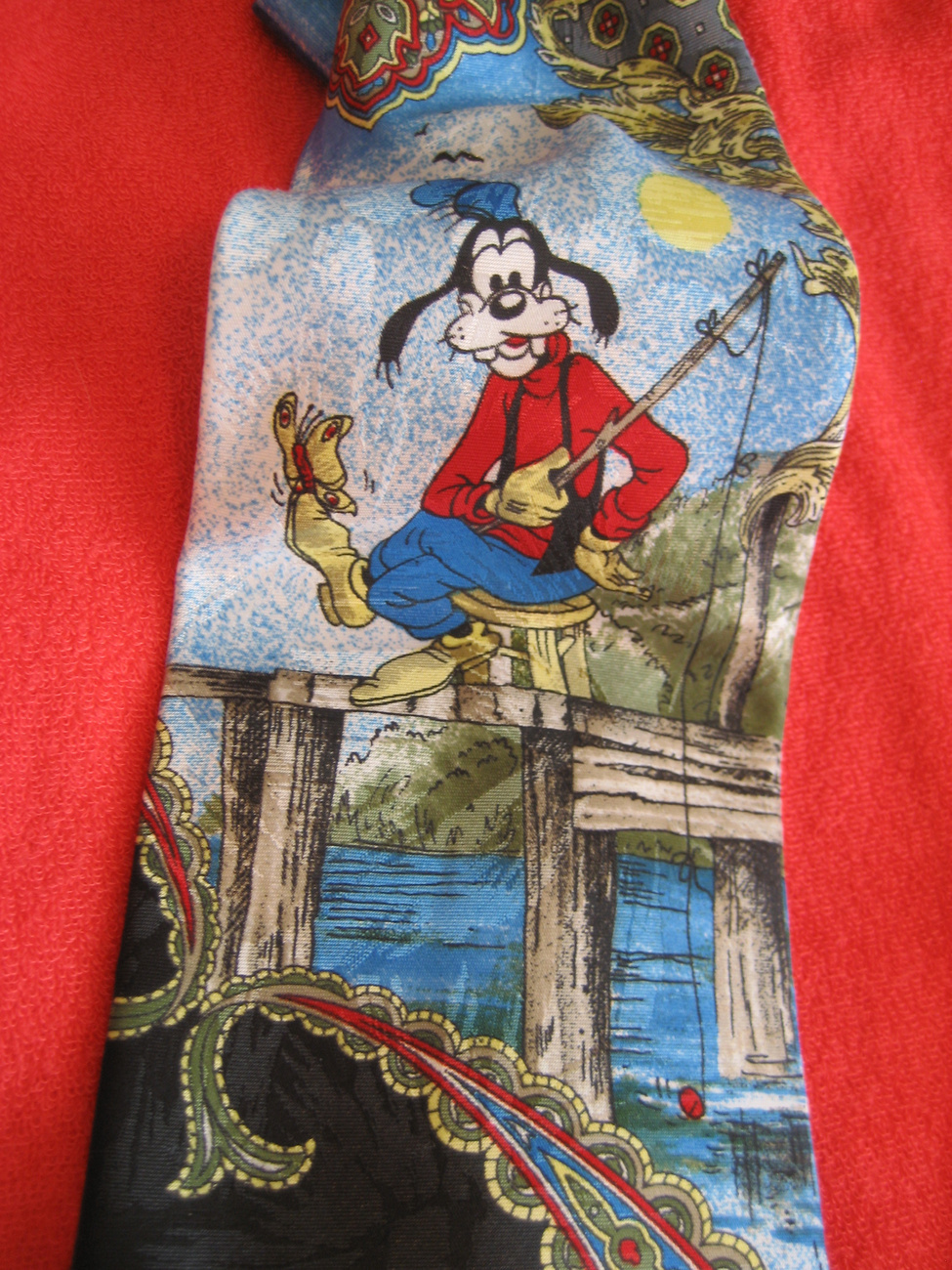 Novelty  Mens NeckTie Disney Goofy Fishing