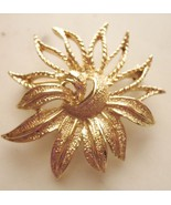 Sarah Coventry Demi Flower Pin Brooch Vintage - $9.79