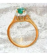 Green & Crystal Rhinestone 80s Gold-plated Ring - $12.00
