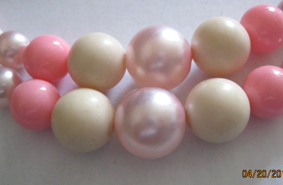 50s_double_strand_pink_bead_necklace_003