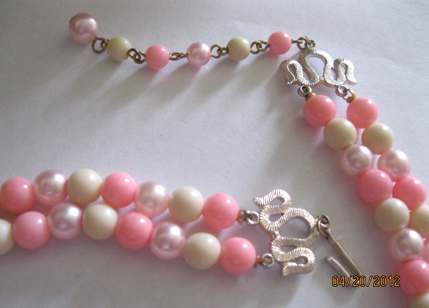 50s_double_strand_pink_bead_necklace_004