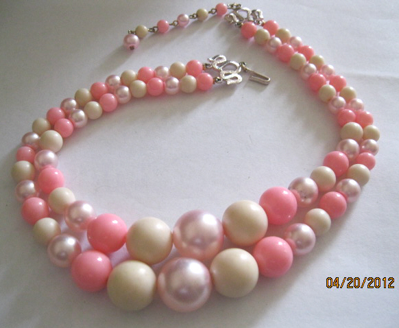 50s_double_strand_pink_bead_necklace_001