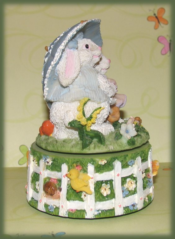 Music-box-bunnies-easter-parade-side