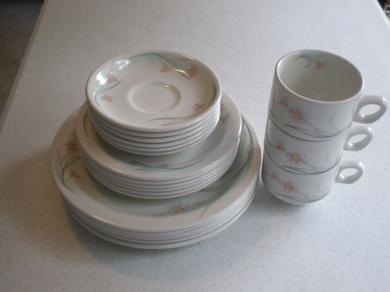 Churchill China England Dinerware Chelsea 21 pc Lot Set