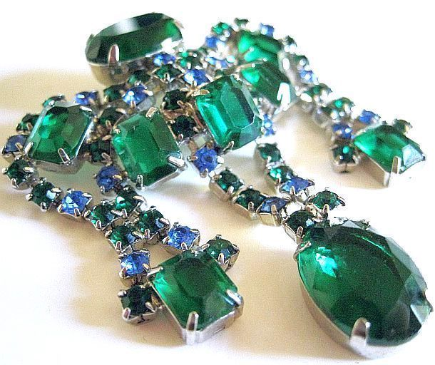 Large D&E (Juliana) Emerald Green Brooch Hard To Find Maybe Rare See Appraisal
