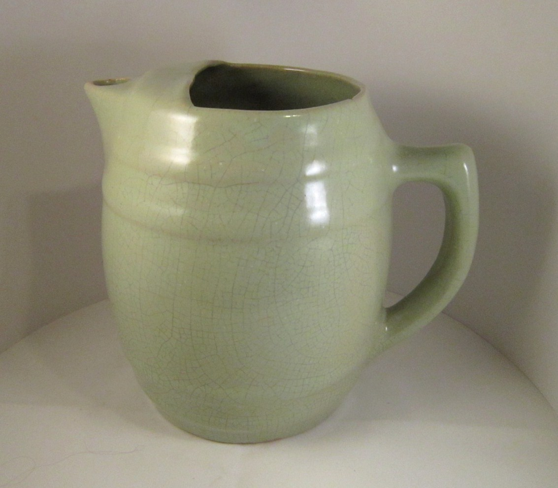 Green_uhl_pitcher_08