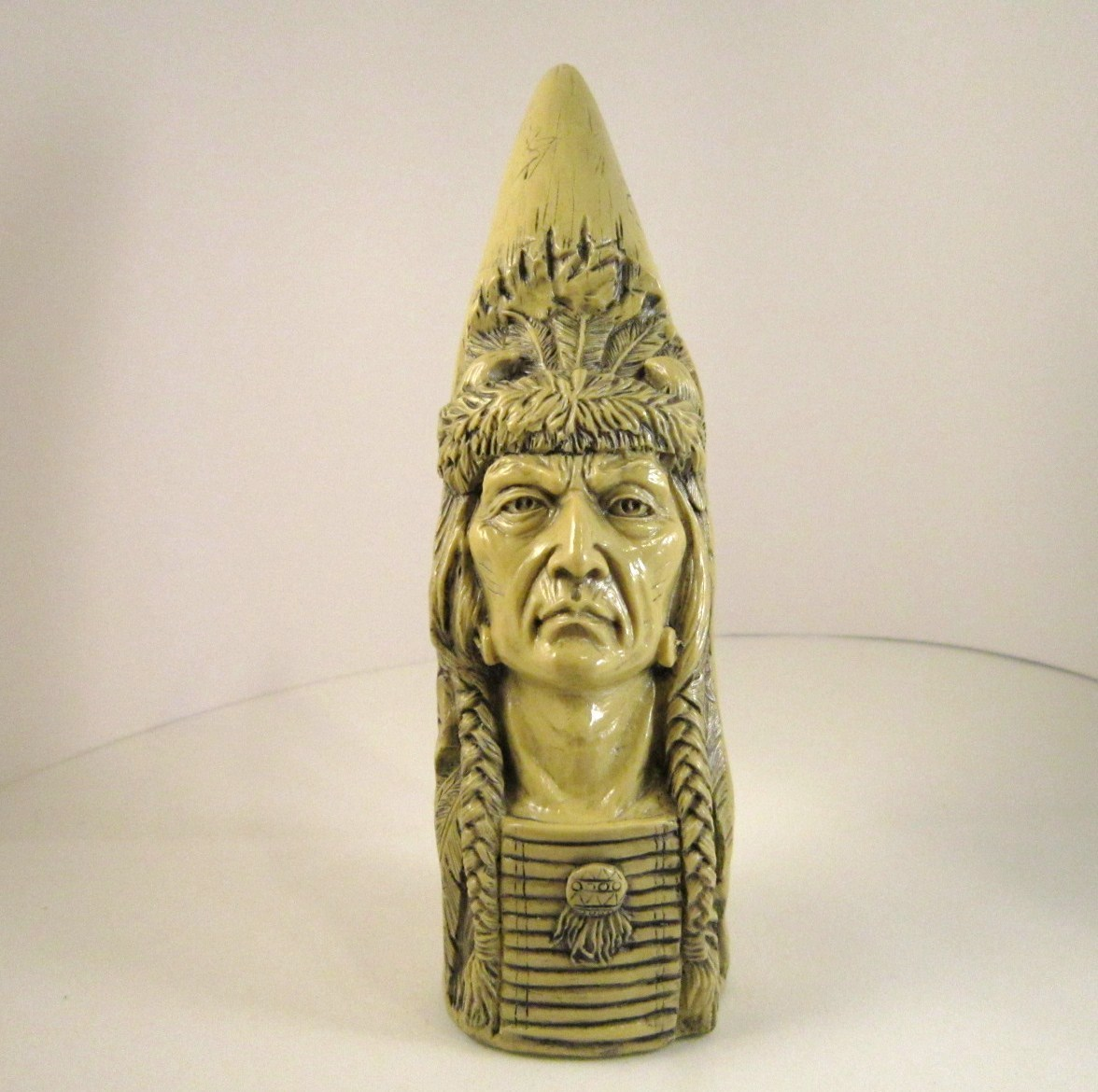 native american plains carved horn by avery creations 1995