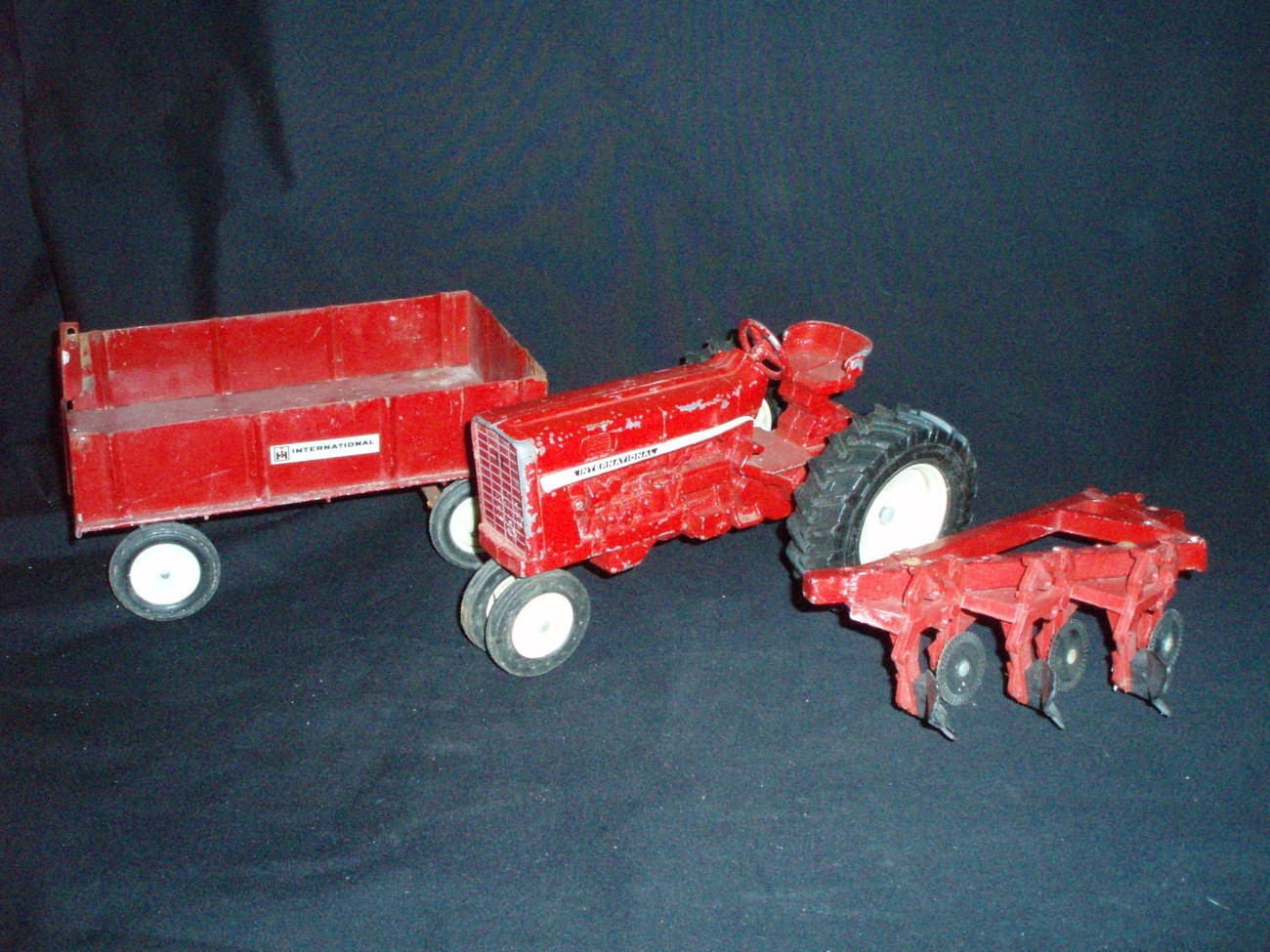 Vintage Red Ertl International Harvester Tractor Wagon Plow