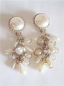 Faux_pearl_earrings_one