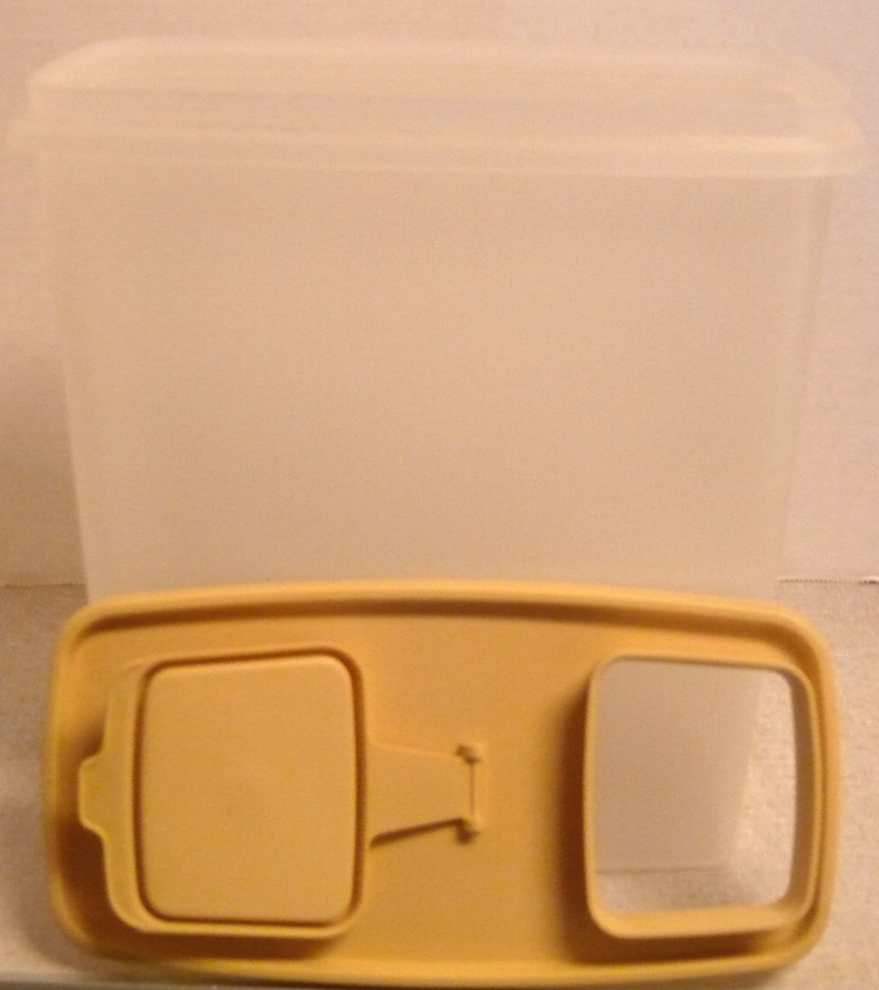 Tupperware_cereal_container_tan_top_2