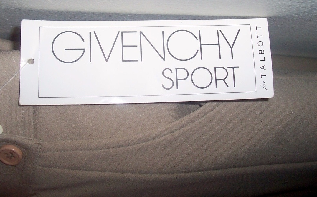 042310_givency_skirt_2