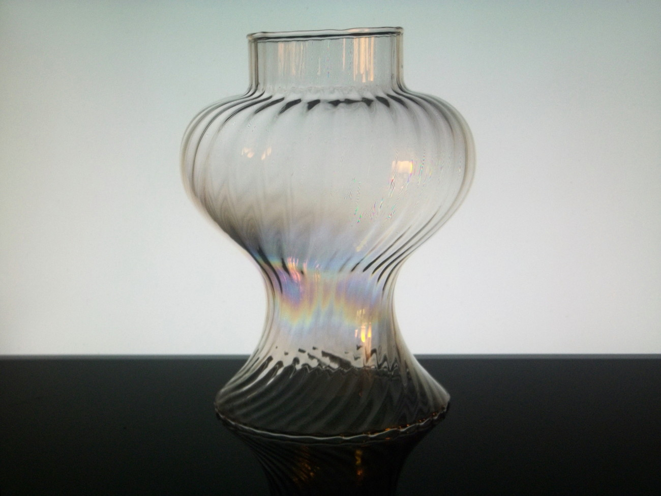 Hurricane_lamp_shade_irridescent_wide_flare_7_58_inch_x_3_inch_f_005