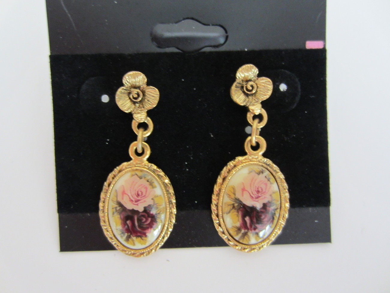 Beautiful Vintage Antique Gold Tone Flower Earrings
