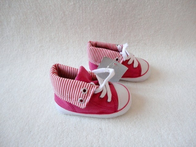 New Infant Girls Pink Canvas High Top Crib Crawler Shoes w Stripes Sz 3 Sample
