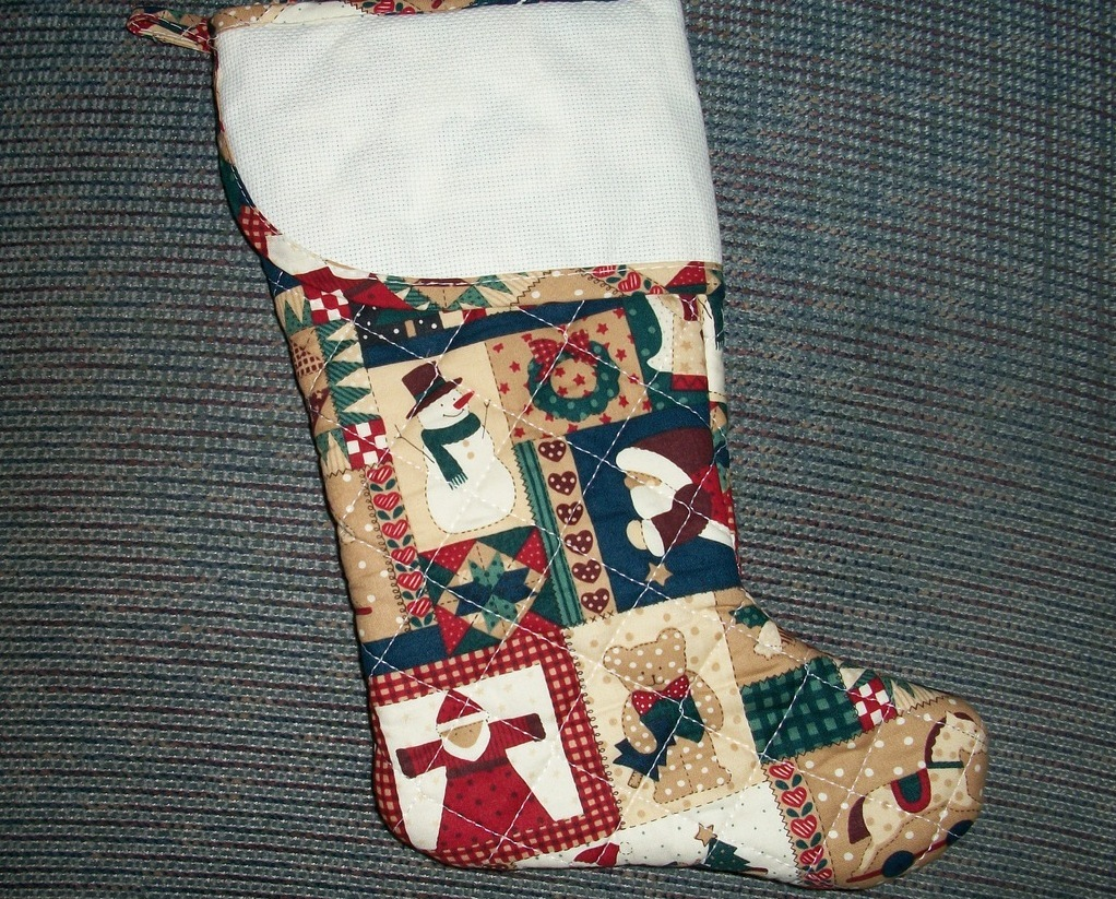 Country collage quilted christmas 15 cross stitch for Charles craft cross stitch fabric