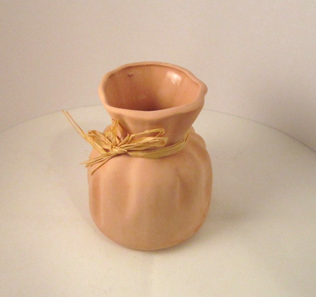 Vase_pink_clay_pottery_sack_05