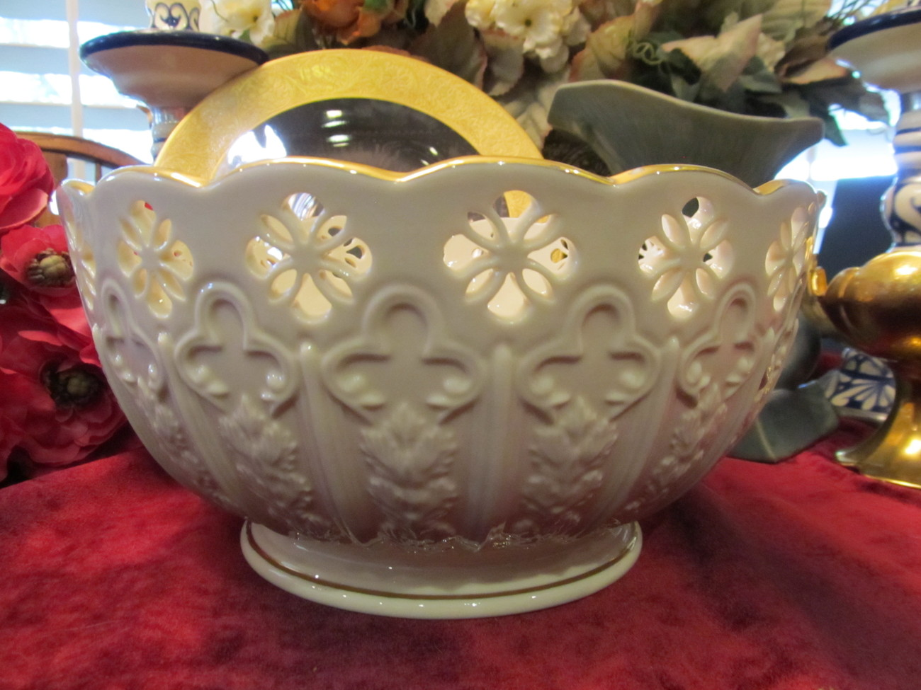 Huge lenox ivory reticulated footed centerpiece bowl with