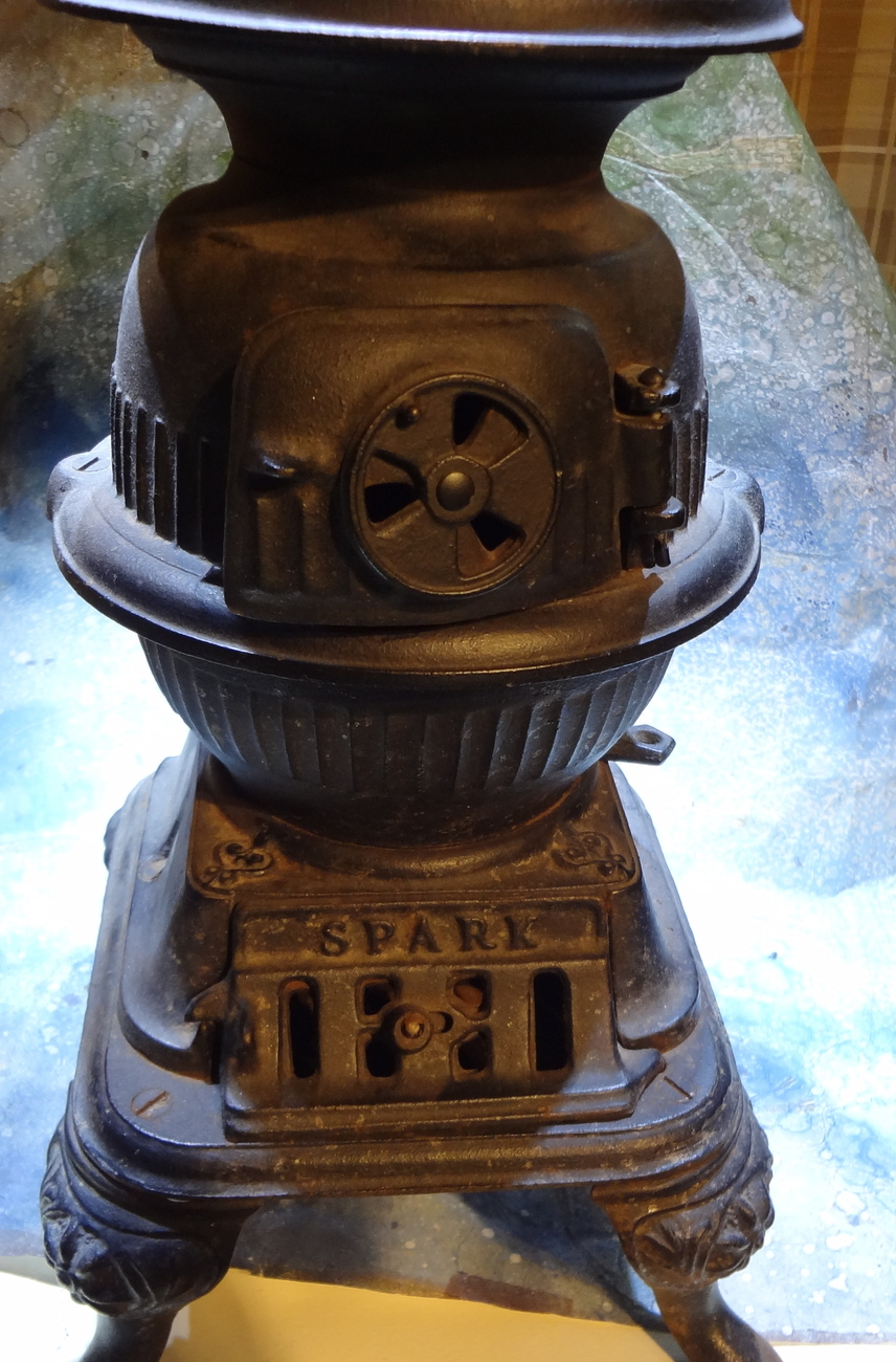 Pot Belly Stove : Antique salesmen sample of a Pot Belly Stove - Stoves