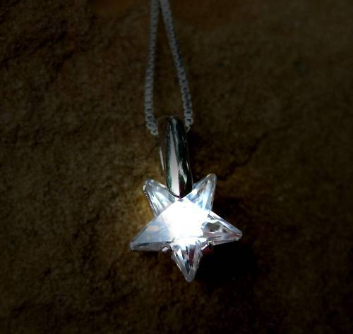 HAUNTED SHINE LIKE A STAR ATTRACTION PENDANT