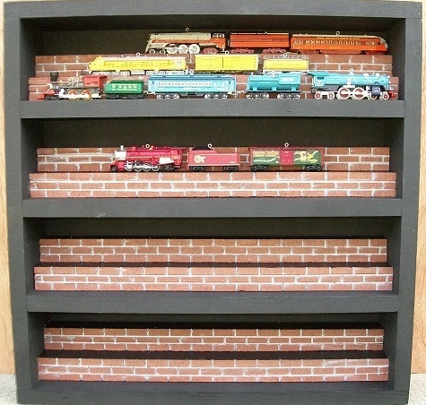TRAIN CASE  RAILROAD HALLMARK LIONEL CHRISTMAS ORNAMENT