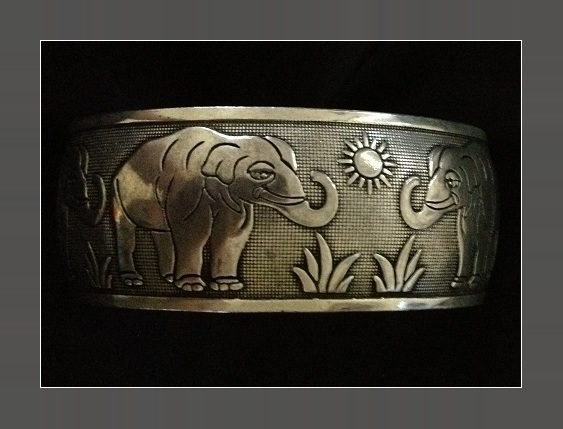 HAUNTED ELEPHANT LUCK BANGLE CHARM TALISMAN WORLD WEALTH OLD KNOWLEDGE SPELL