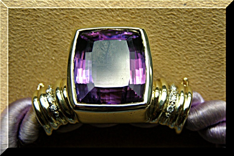 Amethyst-gold-diamond-necklace_ins1
