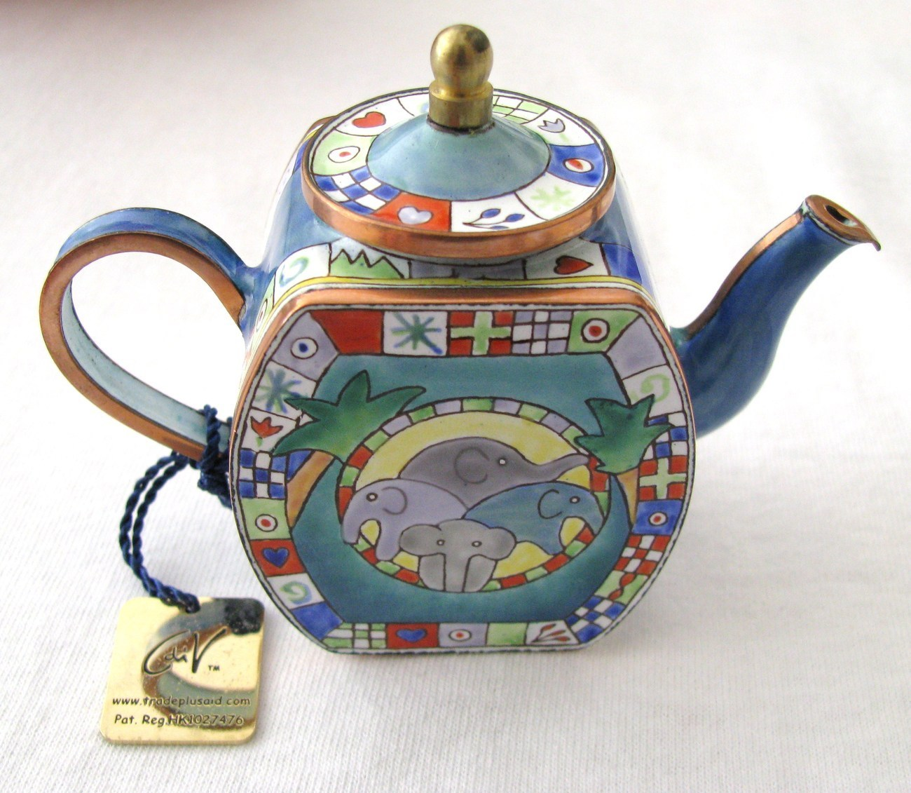 charlotte di vita miniature enamel teapot watering hole tea pots sets. Black Bedroom Furniture Sets. Home Design Ideas