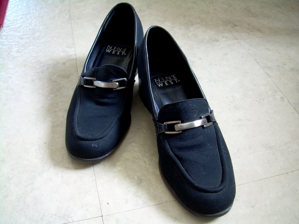 "Nine West Microfiber Black Med-heel Loafer ""Susie"" Size 7M USED ""FREE SHIP"""