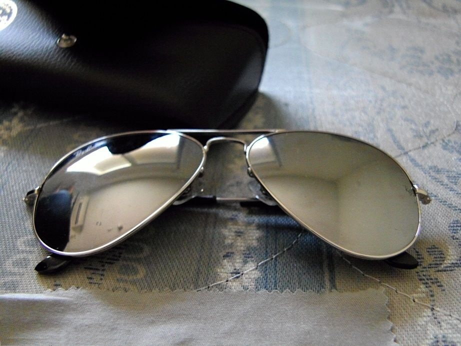 Tempered_glass_alloy_frame_sunglasses_with_uv400_uv_protection