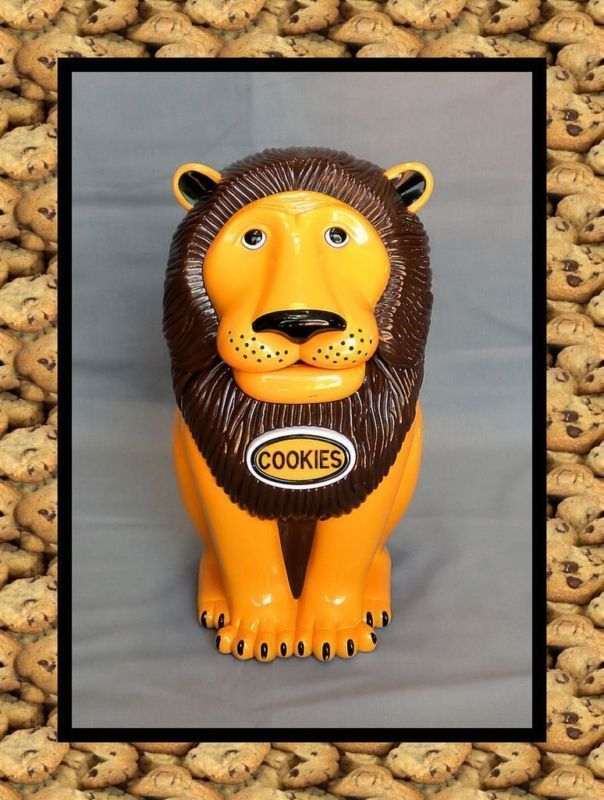 TALKING ROARING LION CAT COOKIE JAR  See Video