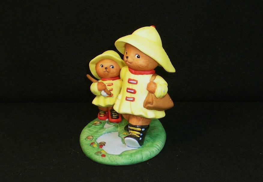 Image 2 of Calendar Bears April Rains Bears Bronson Figurine 1990