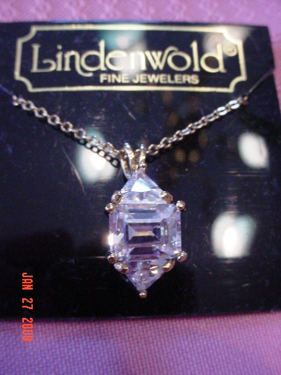 Lindenwold Fine Jewelers Faux Diamond Pendant Necklace  14 K