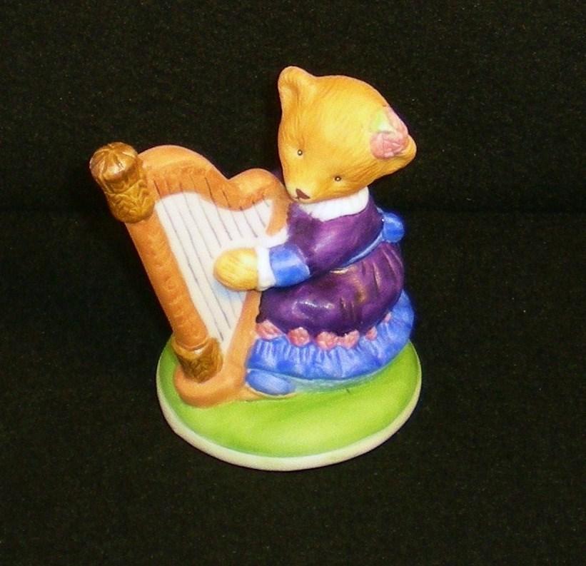 Image 1 of Hotel Teddington Honey Quaver porcelain bear figurine 1986