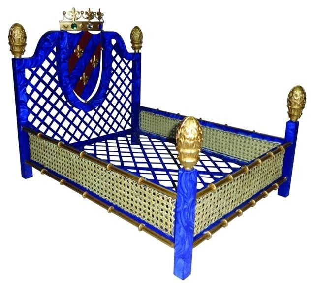 Amazing old world style faux lapis rattan iron tole pet for Old world style beds