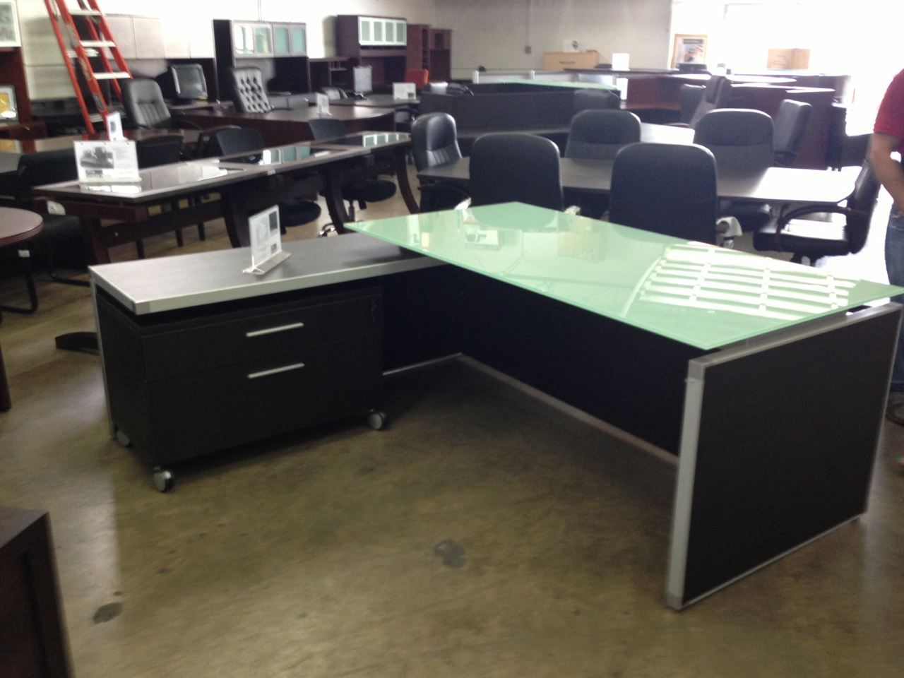 Executive Office Table With Glass Top : Chiarezza Executive L-Desk (Split Level) White Frost Glass Top ...