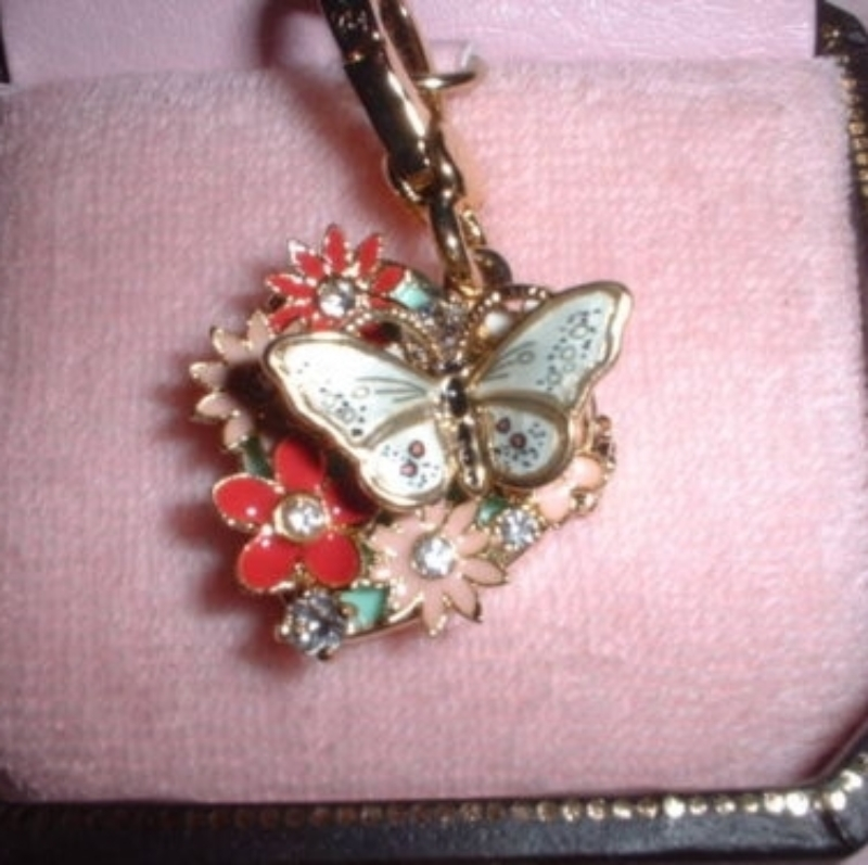 Juicy couture flower and butterfly locket charm it opens for Juicy couture jewelry necklace