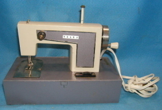 SEARS KENMORE CHILDS TOY SEWING MACHINE