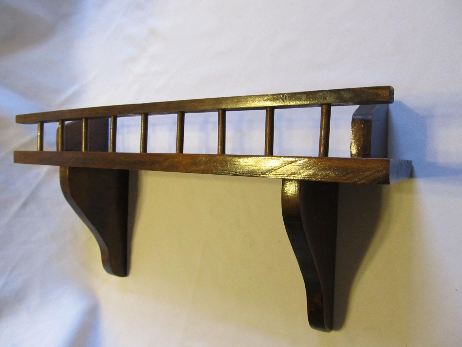 Wooden Plate Saucer Wall Display Shelf Rack Plate Racks & Hangers. Full resolution  file, nominally Width 1600 Height 1200 pixels, file with #614321.