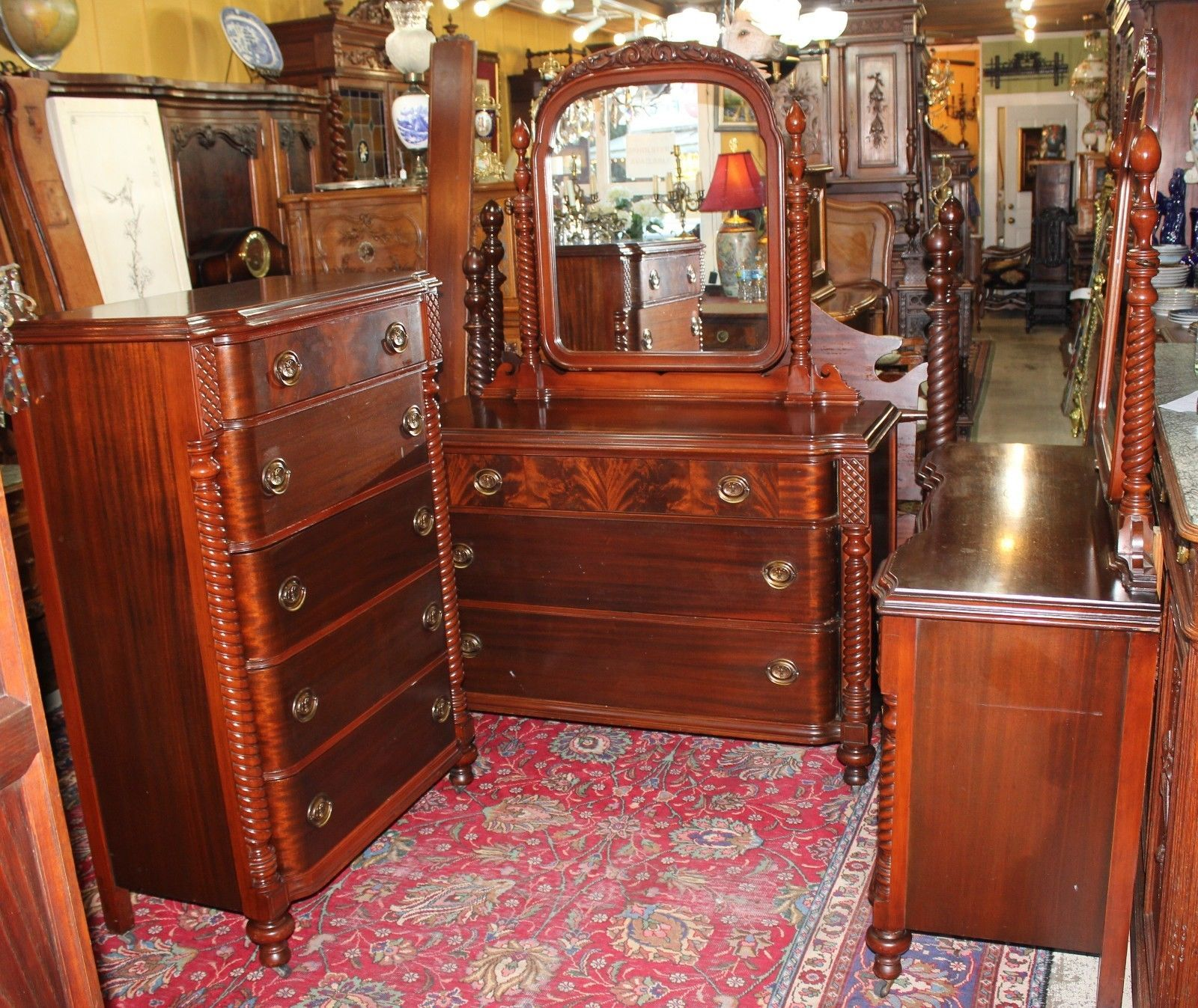 Beautiful american antique mahogany bedroom set 4 pieces for Antique bedroom furniture