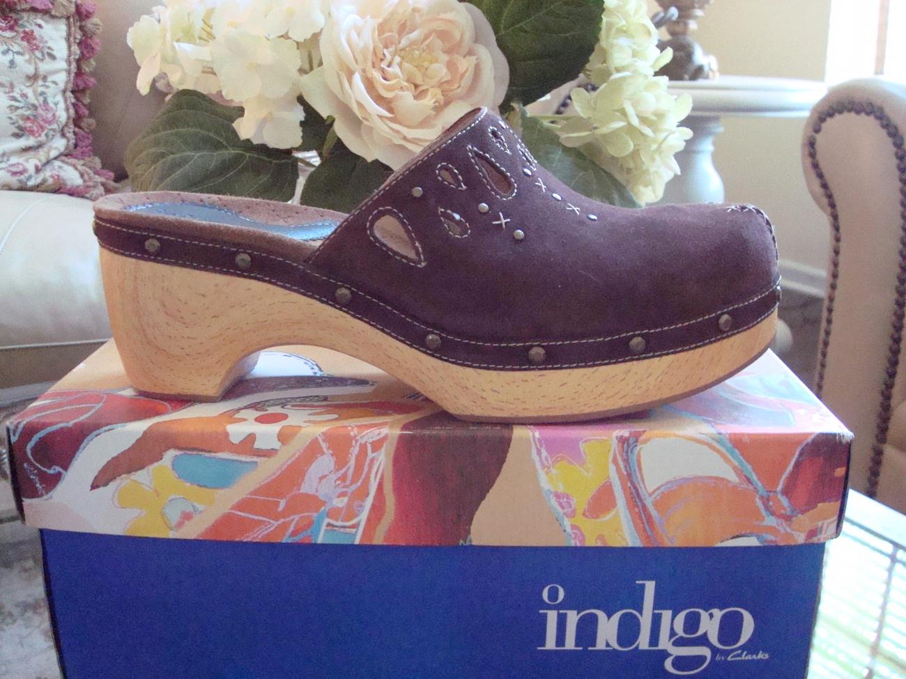 Women's Indigo by Clarks Clogs Size 11 Clarks