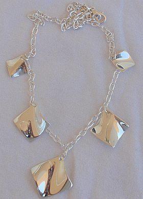 Shiny elegant silver necklace Bonanza